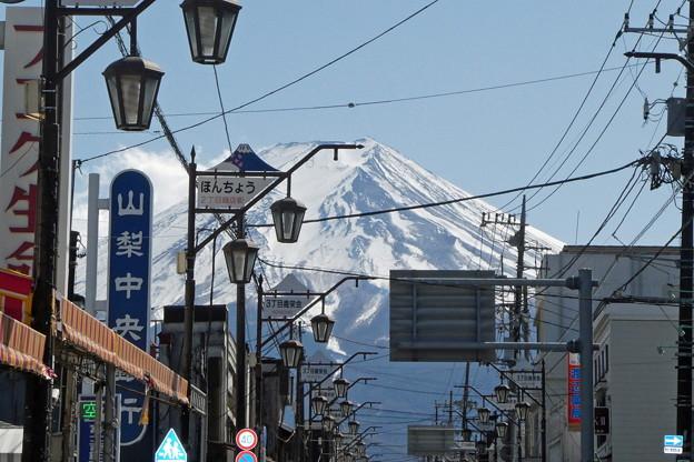 レトロな昭和の町並みから