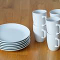 写真: イケアのコーヒーマグ6個、お皿6枚セット