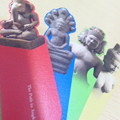 写真: 記念に砂岩製インドの神々の栞をお買い上げ。ガネーシャ、プラジュナ...