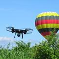 写真: 気球よりも高く飛びたい