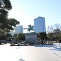写真: 190107-42はとバス・東京1日・皇居・楠木正成像