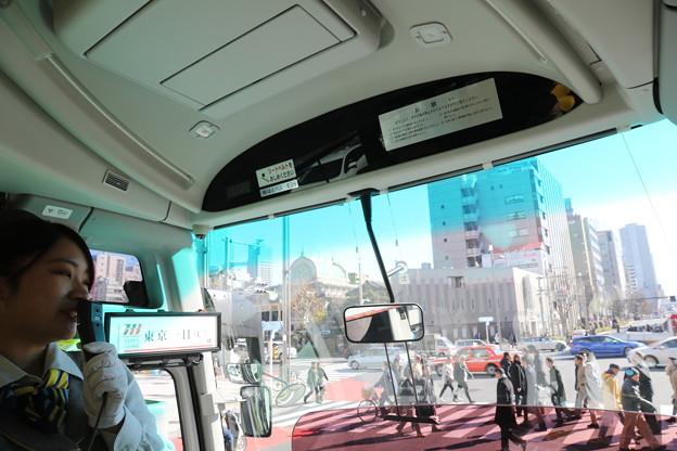 190107-58はとバス・東京1日・お台場へ・ガイドさんと築地本願寺