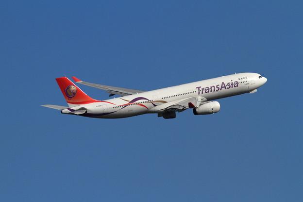 A330 秋空ニ B-22101 TransAsia