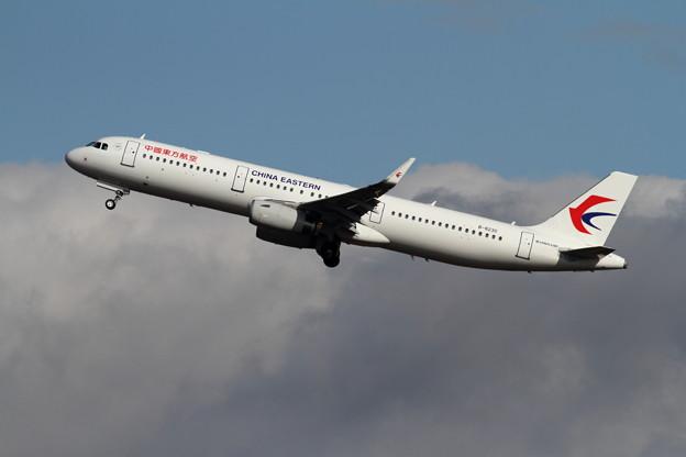 A321 B-8230 東方航空