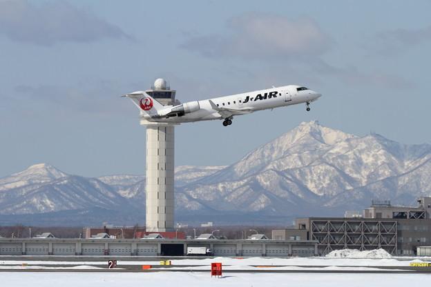 CRJ-200 J-AirとTowerと恵庭岳