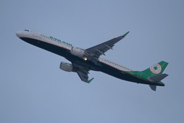 A321 B-16221 EVA takeoff climb