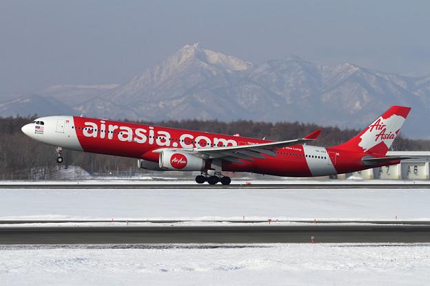 A330 AirAsiaXと恵庭岳