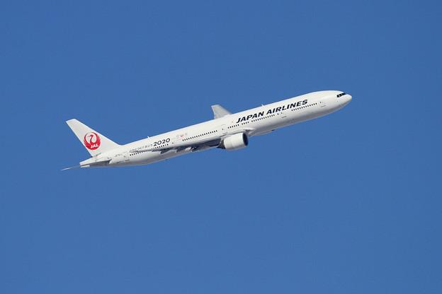 B777 JAL JA751J