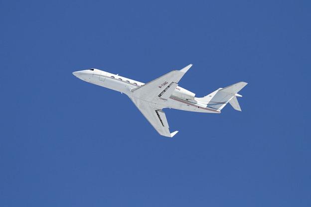 Gulfstream GIV-X (G450) M-YANG 雪レフ効果