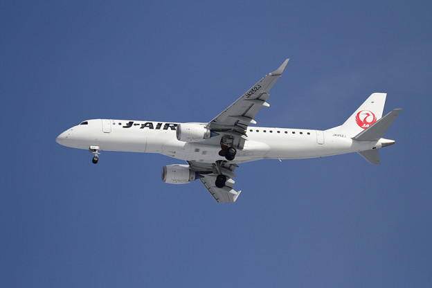 ERJ-190STD J-AIR JA252J