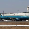 写真: A321 Vietnam Airlines VN-A334 taxiing