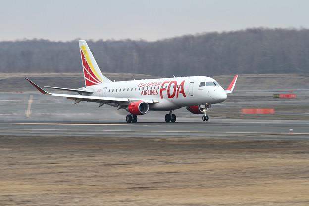 Embraer ERJ-175STD FDA JA12FJ touchdown