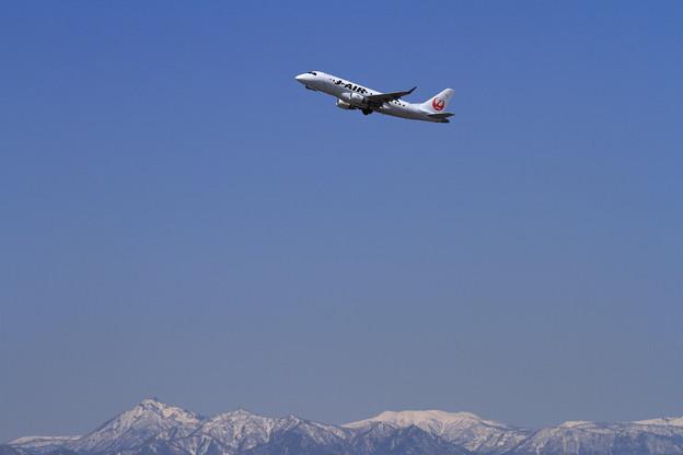ERJ-170 J-AIR 快晴の空に