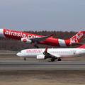 写真: A330 Thai AirAsiaとB737 Eastar Jet