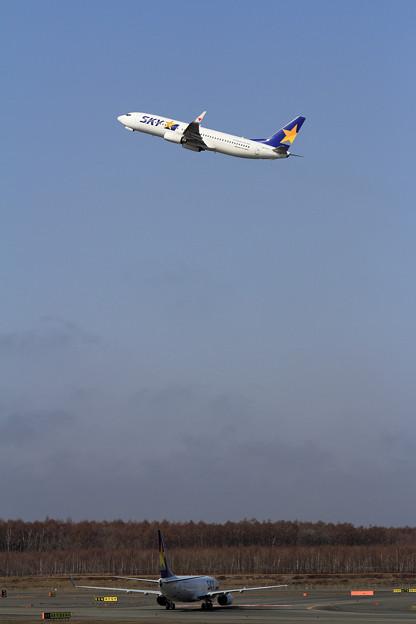 写真: B737 SKY 天高く