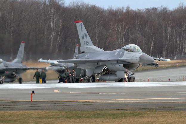 F-16C 92-3884 WW 13FS (1)