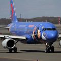 写真: A320 CES Disney resort livery B-6635(2)