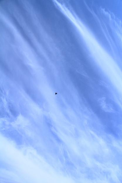 写真: 流れる雲にF-15あり