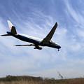 写真: B777 CAL final approach