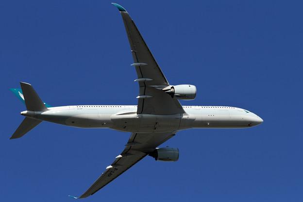 A350-9 CPA B-LRP takeoff(2)