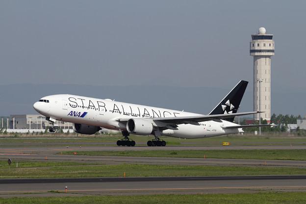 B777 ANA STAR ALLIANCE takeoff