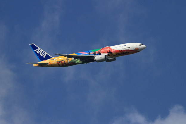 写真: B777 ANA TOKYO2020 JA741A takeoff
