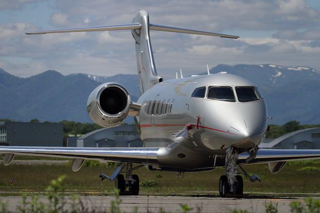 Bombardier Challenger350 N351VJ VistaJet US (2)