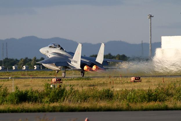 写真: F-15DJ 055 203sq takeoff