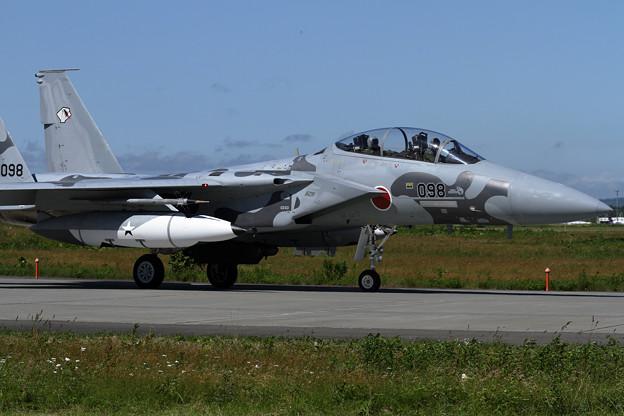 F-15DJ 098 Aggressor taxiing
