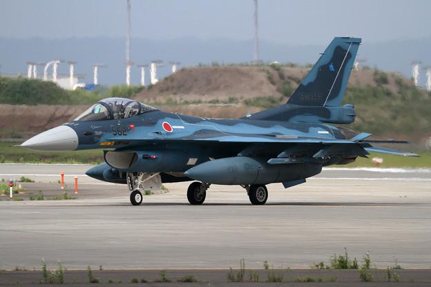 F-2A 562 3sqが展示の為飛来