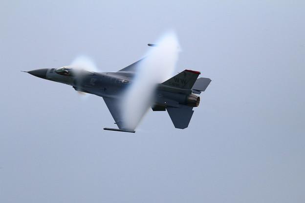 PACAF F-16 Demo Team (6) vapor cone