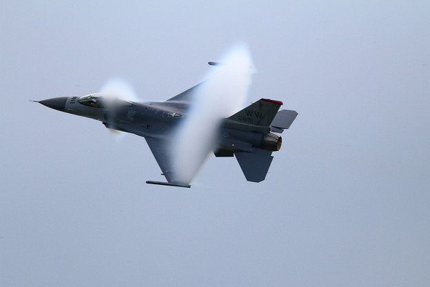 PACAF F-16 Demo Team (6) vapor cone