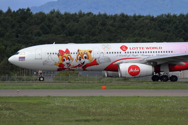 A330 ThaiAirAsiaX Lotte World livery HS-XTD (2)
