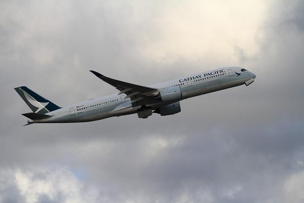 写真: A350 CPA CX581 takeoff