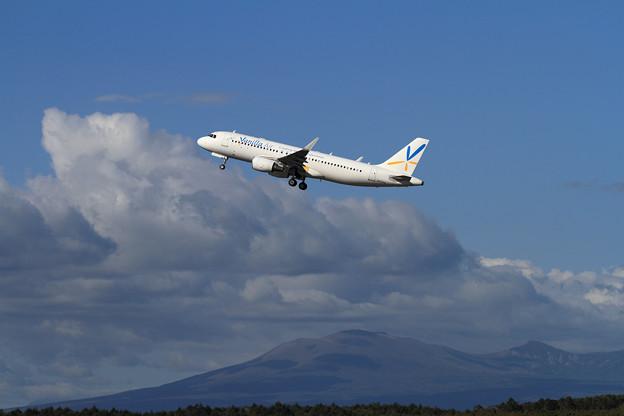 Photos: A320 VNL JA03VA takeoff
