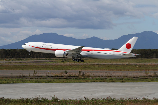 B777-300ER 80-1111 飛行訓練始まる(1)