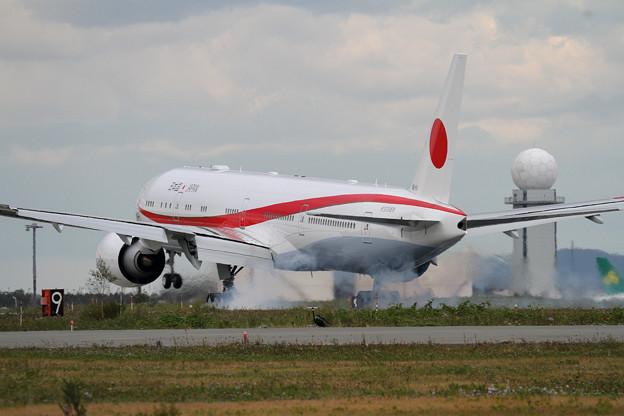 B777-300ER 80-1111 飛行訓練始まる(4)