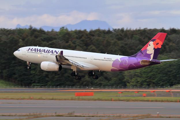 A330 Hawaiian N383HA landing