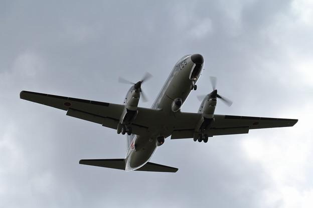 YS-11EB 155 approach(1)