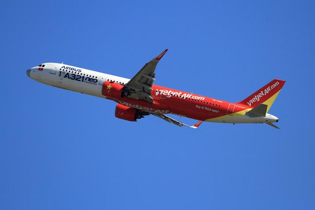 A321neo VN-A646 VietJet charter初飛来 (2)
