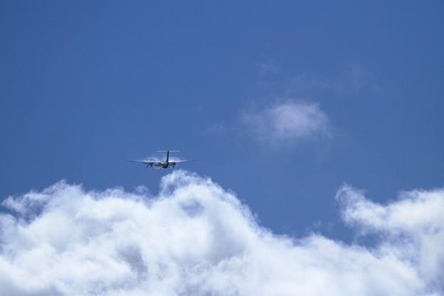 写真: Q400 雲上を行く