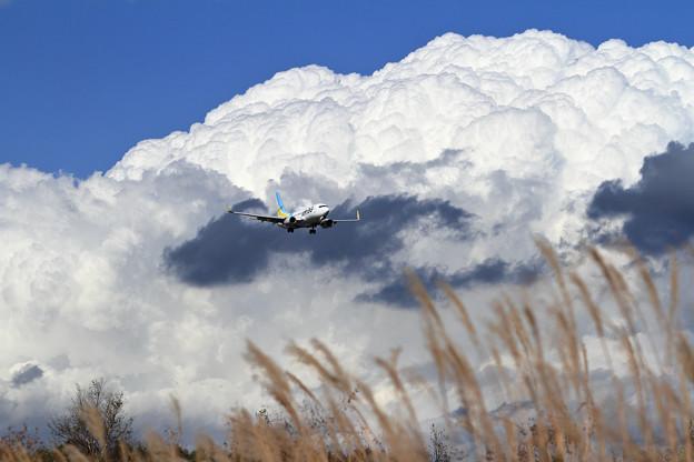 B737 ADO 大きな雲