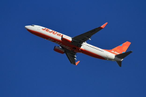 B737 JEJU HL8318 takeoff