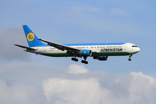 B767 Uzbekistan UK67003 飛来 (1)