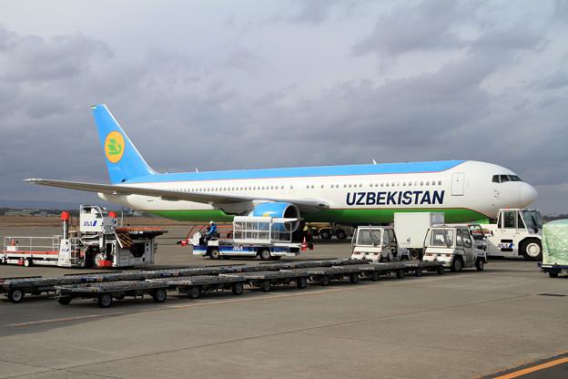 B767 Uzbekistan UK67003 飛来 (3)