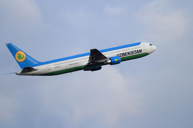 B767 Uzbekistan UK67003 飛来 (4)