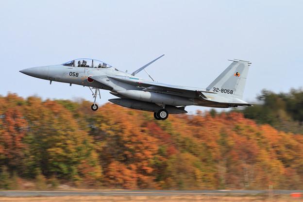F-15D 058 23sq approach