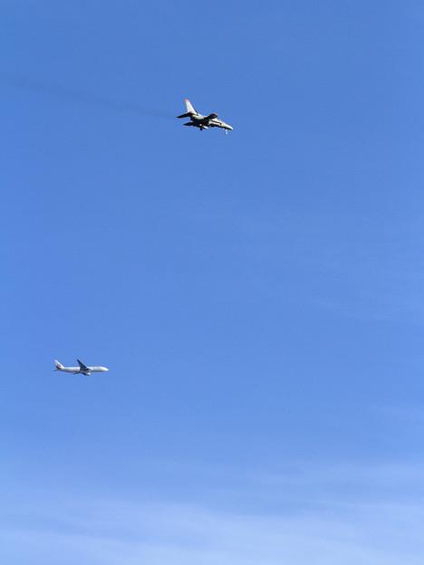 T-4とB777の遭遇
