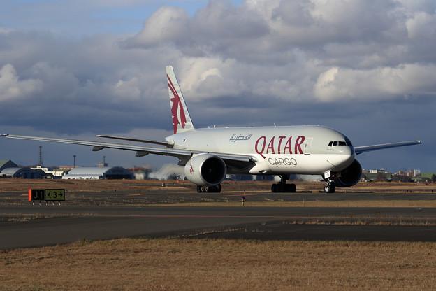 B777Freighter A7-BFC Qatar Airways Cargo taxiing