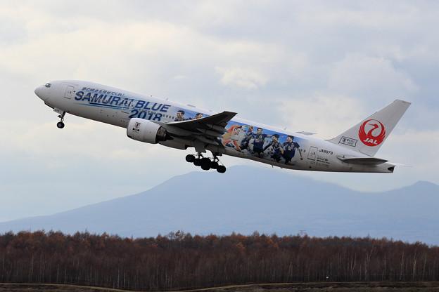 B777 JAL Samurai Blue2018 takeoff